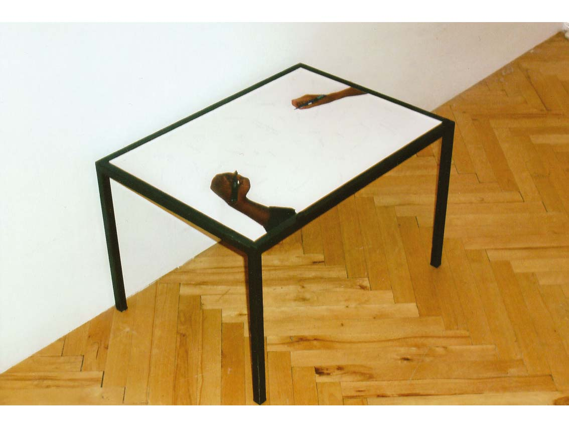 common base table, C-prints hinter Akryl eingelgt in 2 Metalltischen, Couchtisch: 46,2 x 64,2 x 39,5 cm, ICW und Ndidi Dike, 2006
