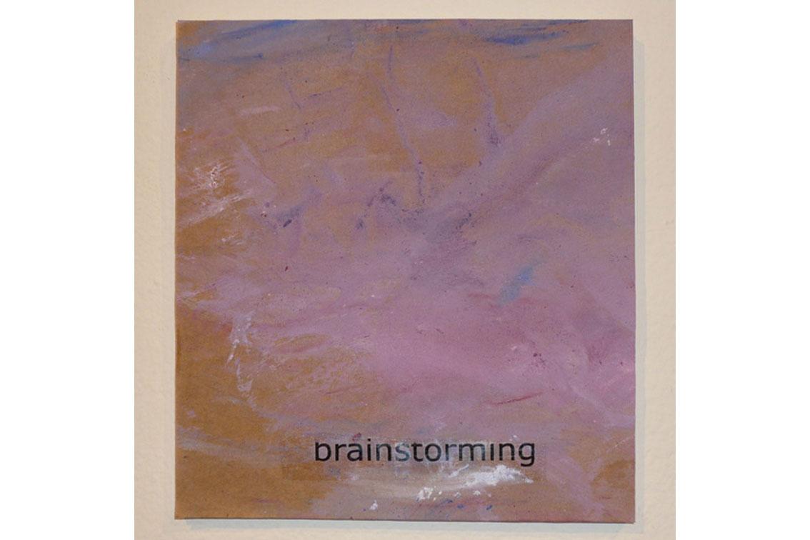 OK – brainstorming, Zeichnung auf Papier, mit Begriffen auf Klebeband und Papier, auf einer Platte befestigt, ICW und Leslie Fry, 2009