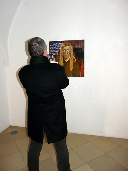 "Projections 2010, Eva Hradil ""Wieviel Platz"""