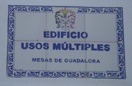 Placa Cerámica del Edificio de Usos Múltiples