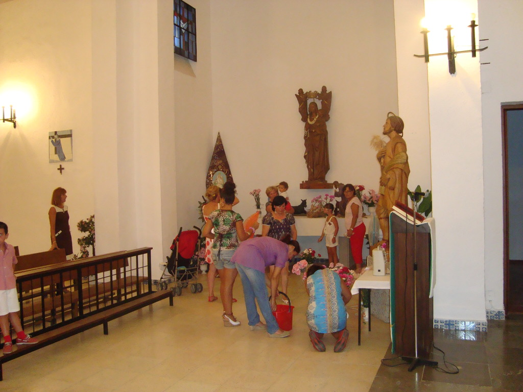 Ofrenda Floral a Santa María Virgen Reina