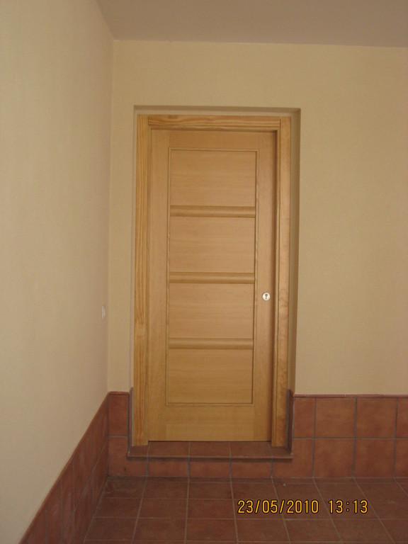 Detalle Puerta de Entrada (Viviendas en Mesas del Guadalora)
