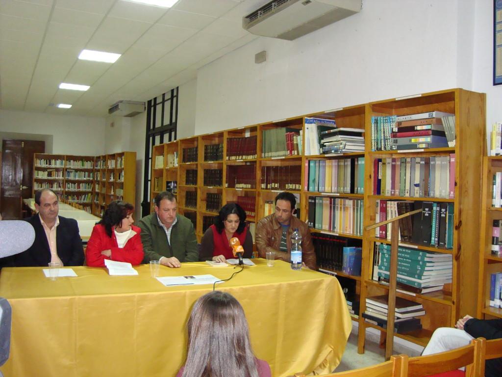 Presentación del Libro de Eugenia Moreno Aguilera en HORNACHUELOS