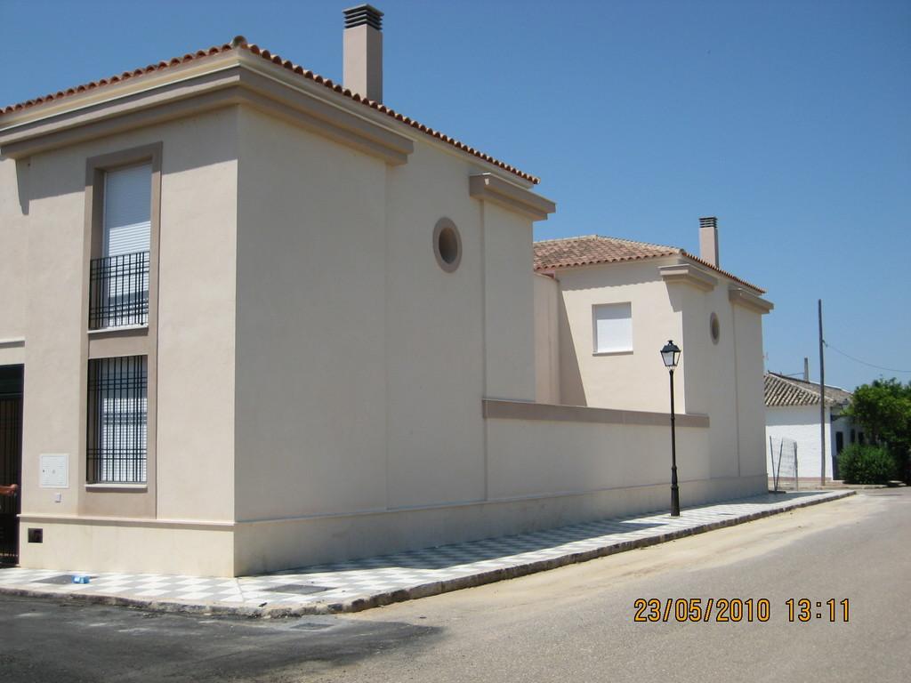 Fachada a Calle Ronda Norte (Viviendas en Mesas del Guadalora)