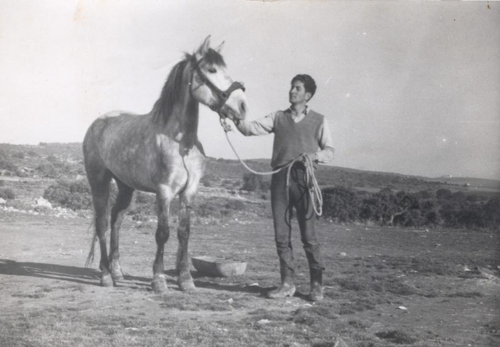 Isidro con su Yegua