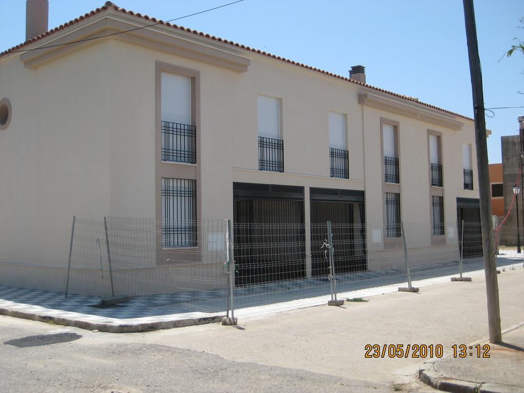 Fachada a Calle Nueva (Viviendas en Mesas del Guadalora)