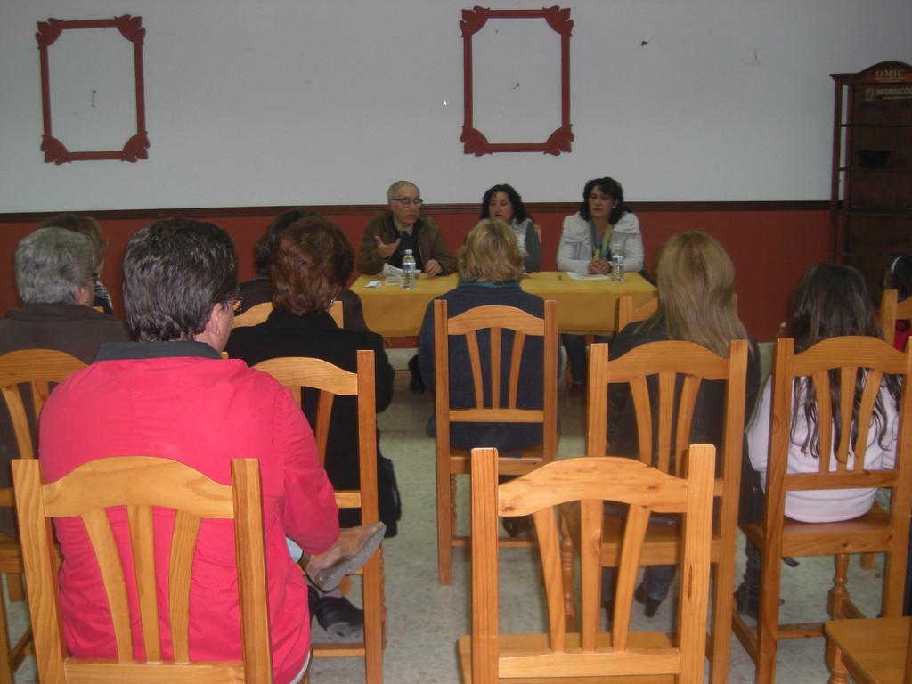 Presentación del Libro de Eugenia Moreno Aguilera en CÉSPEDES