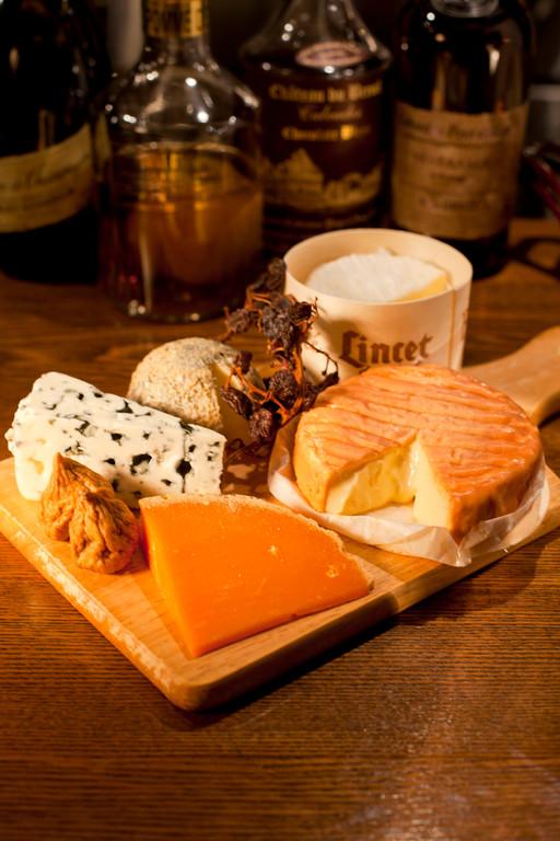 チーズは常時約15種類