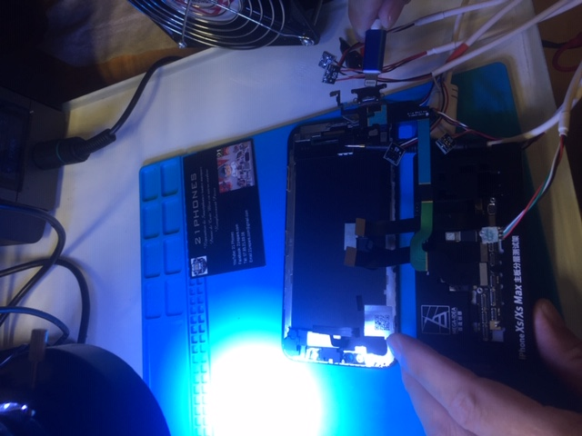 Micro Soudure iPhone X Aucun Service -21PHONES