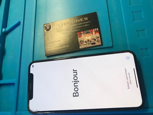 Micro Soudure iPhone 11Pro Tombé Dans L'eau Ne S'allume Plus