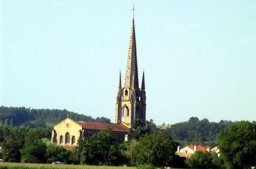 Eglise de Marciac en Rivière-Basse, plus haut clocher du Gers 87 mètres de haut