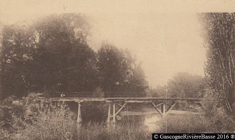 Pont des pêcheurs Rapine Rousset Plaisance du Gers Rivière-Basse