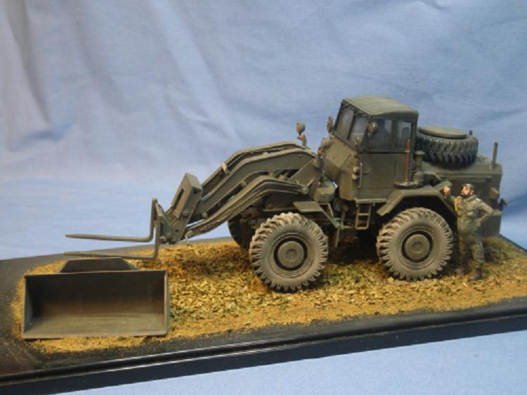 Hatra Feldarbeitsgerät Feldladegerät 2,5t der Bundeswehr