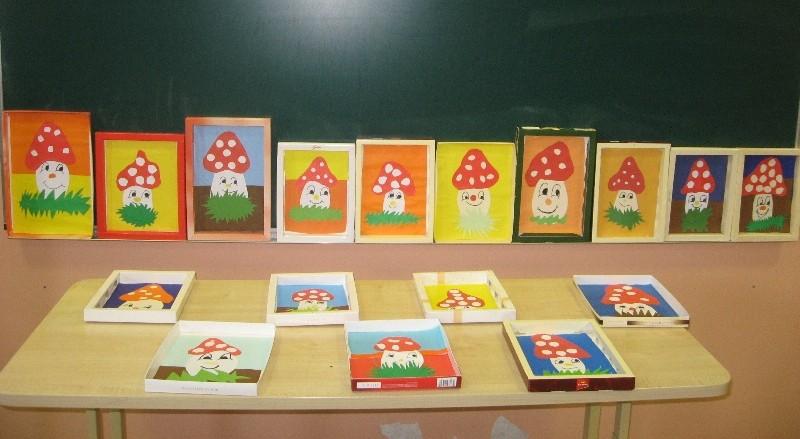 Rėmeliai paveikslams - saldainių dėžutės.