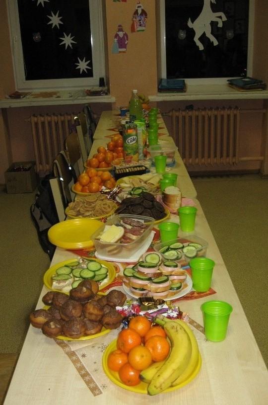 Mūsų vaišių stalas:-)