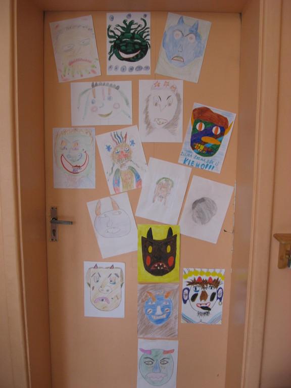 4 b klasės durys