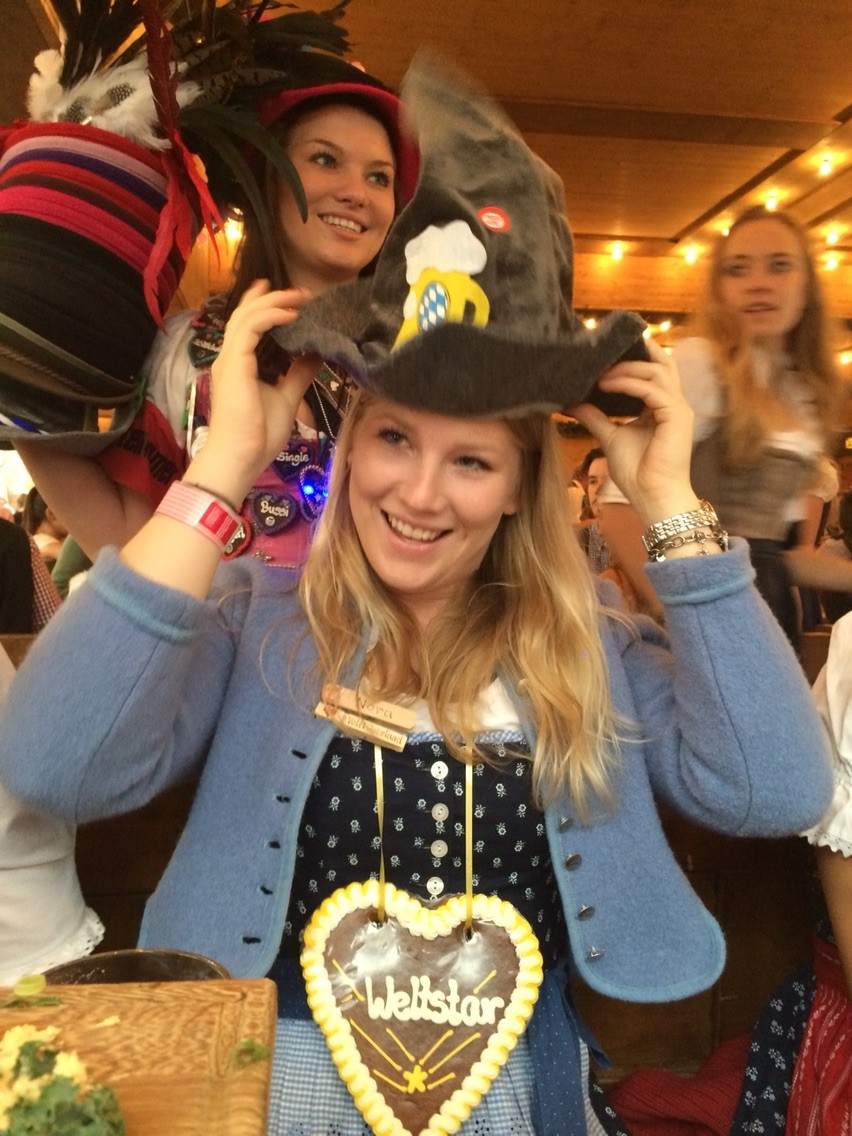 Nora auf der Wiesn September 2015
