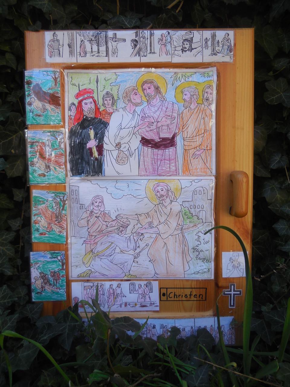 Tür mit christlich Symbolen
