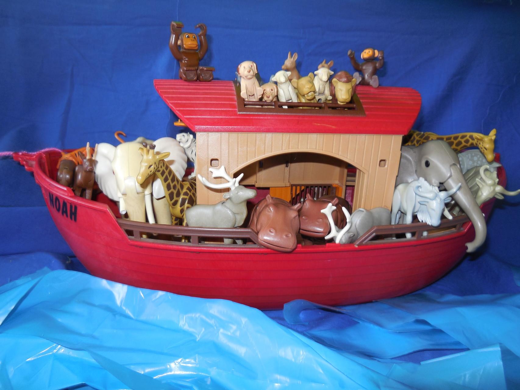 Die Tiere sorgten für Ordnung. Denn keiner sollte ins Wasser fallen.
