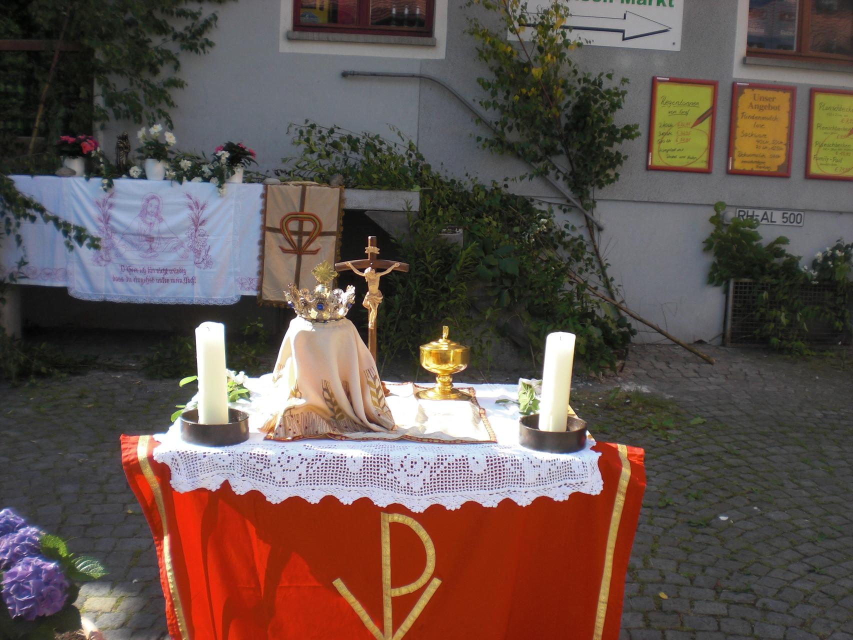 Altar. Was steht auf dem Altar?