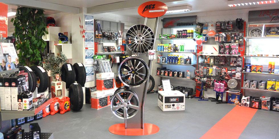 Reifen und Felgen Shop Kundl für PKW, LKW und Industriefahrzeuge | Reifencheck | Reifenreparatur | Vor-Ort-Service