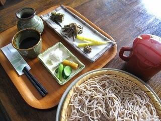 朝日鉱泉食事 山菜ざるそば