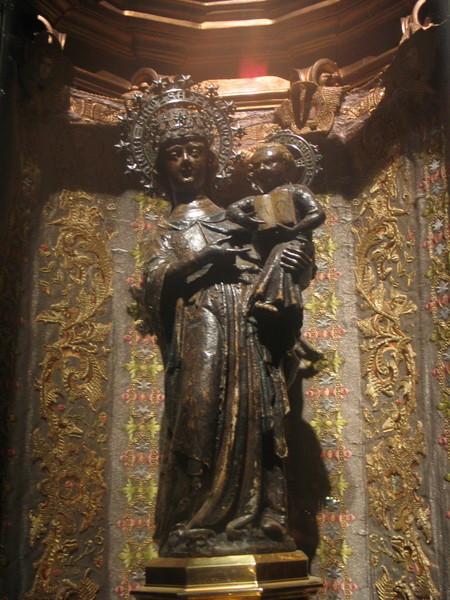 """44              """"schwarze Madonna""""  Kloster Lluc"""
