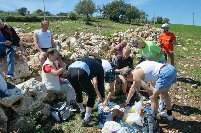 37                     Picknick mit sizilianischen Leckereien