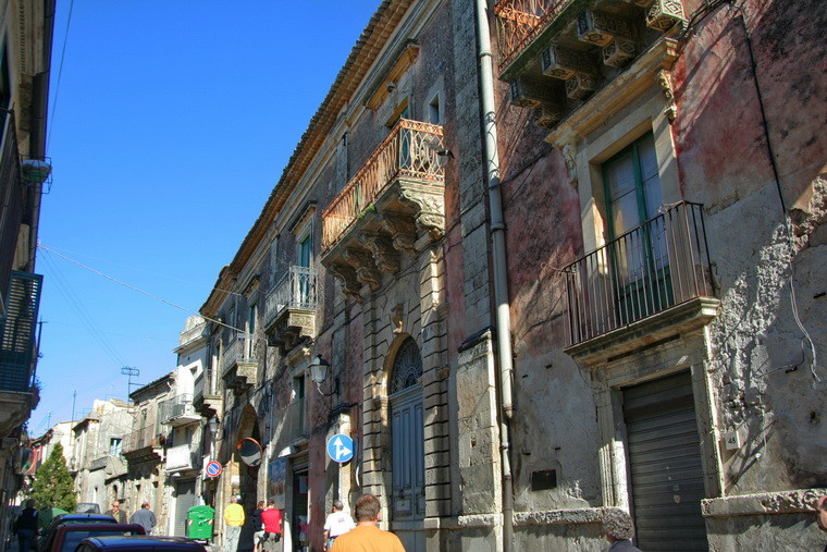 62                     Palazzolo Acreide