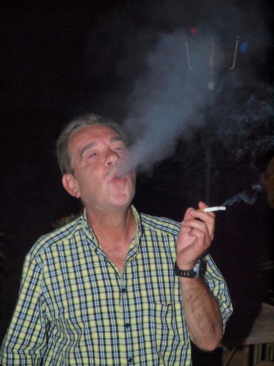 Georgs letzte Zigarette  (stimmt nicht, er raucht wieder)z