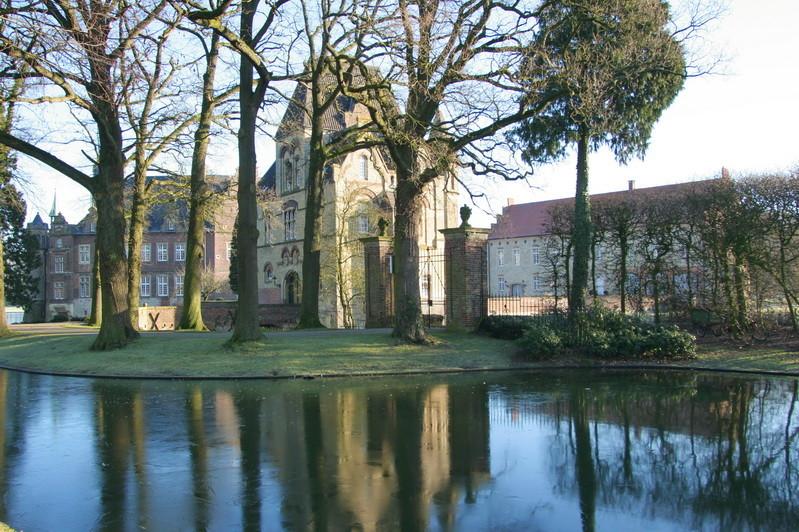 5                      Schloss Darfeld