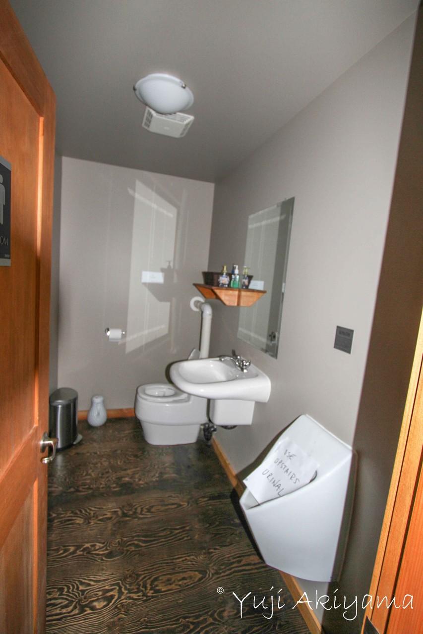 トイレも館内に完備