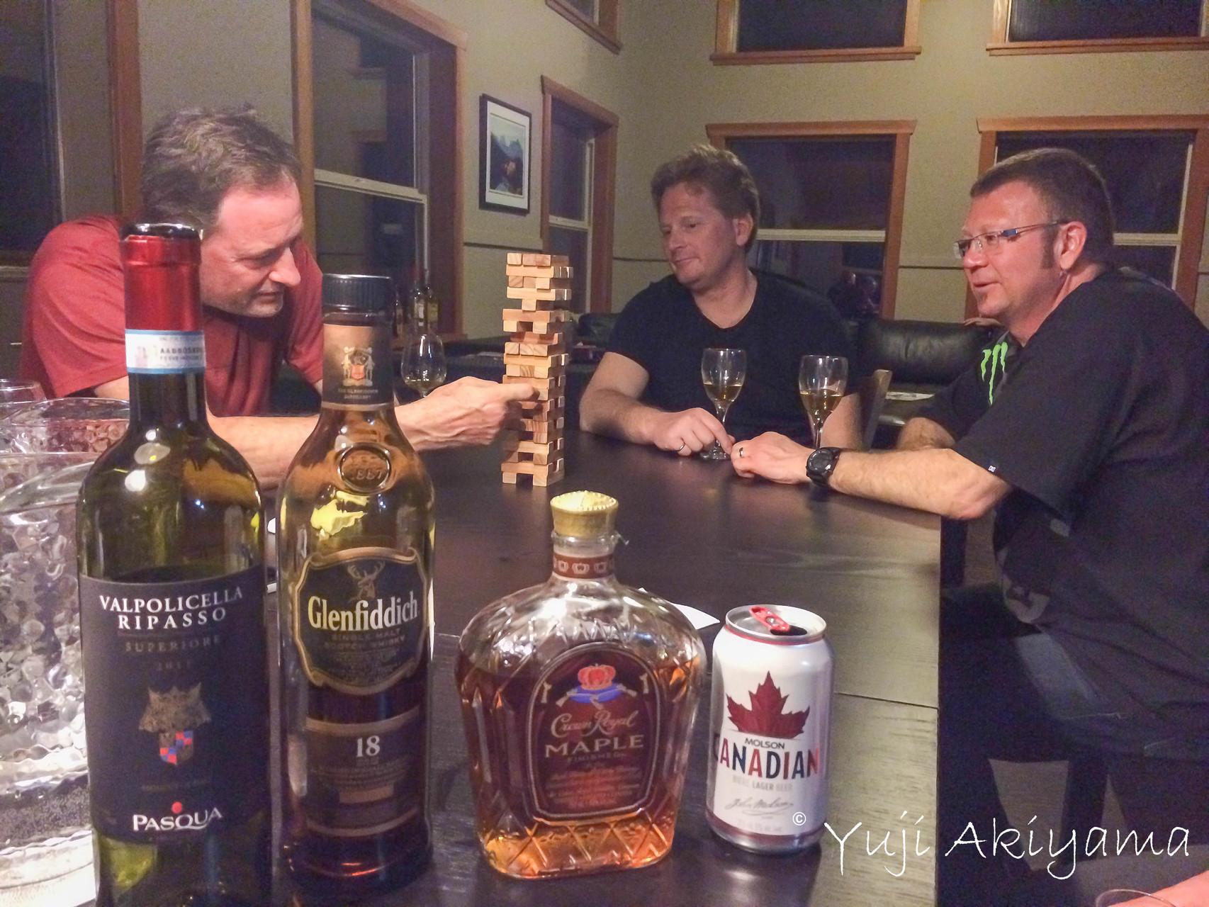 酒の持ち込みは自由、乾杯タイム!