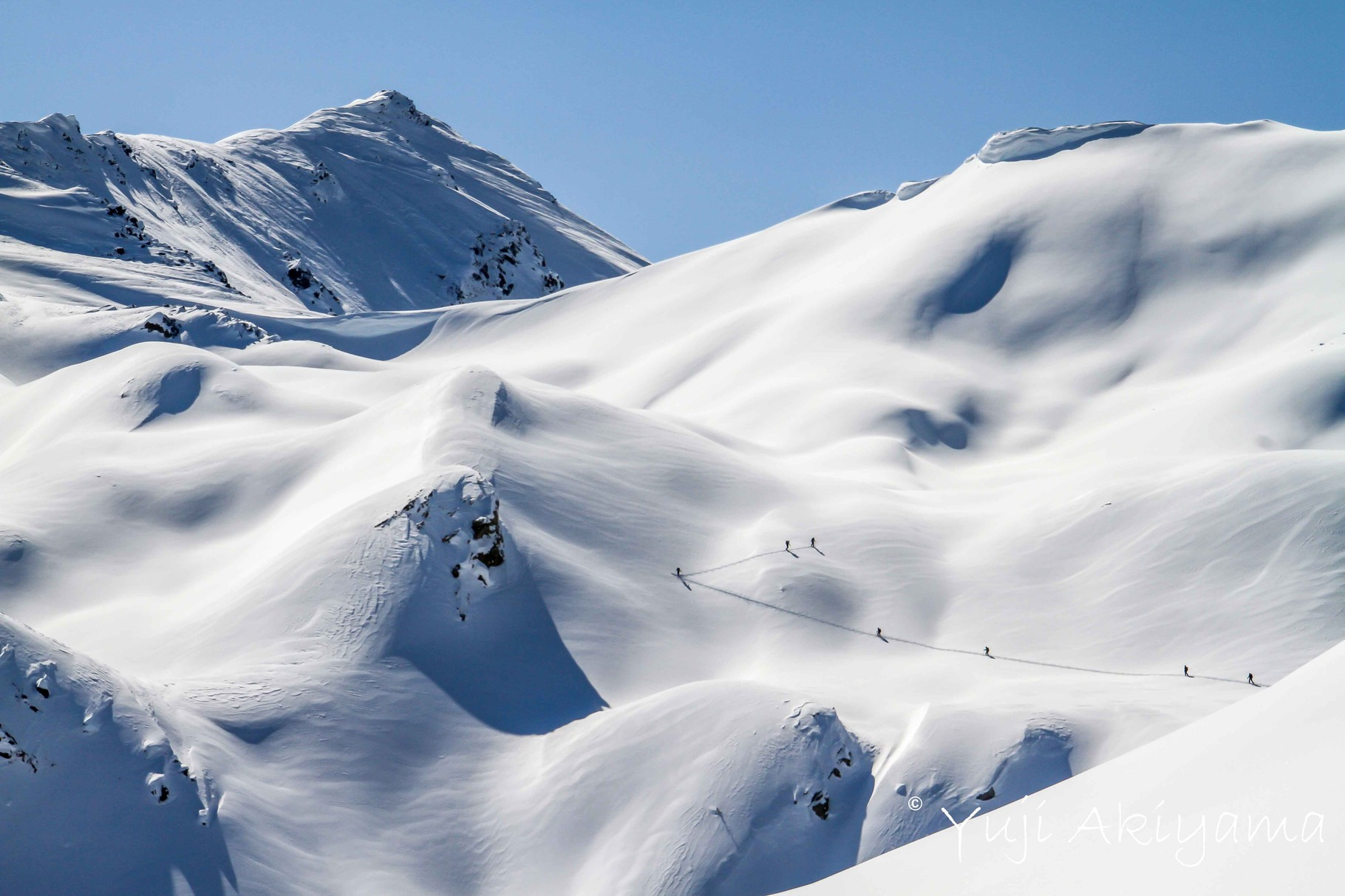 滑るには登る必要があるのがバックカントリー