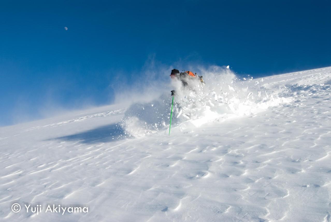 アイスフィールド・パークウェイ Mt.Hector直下の氷河スキー