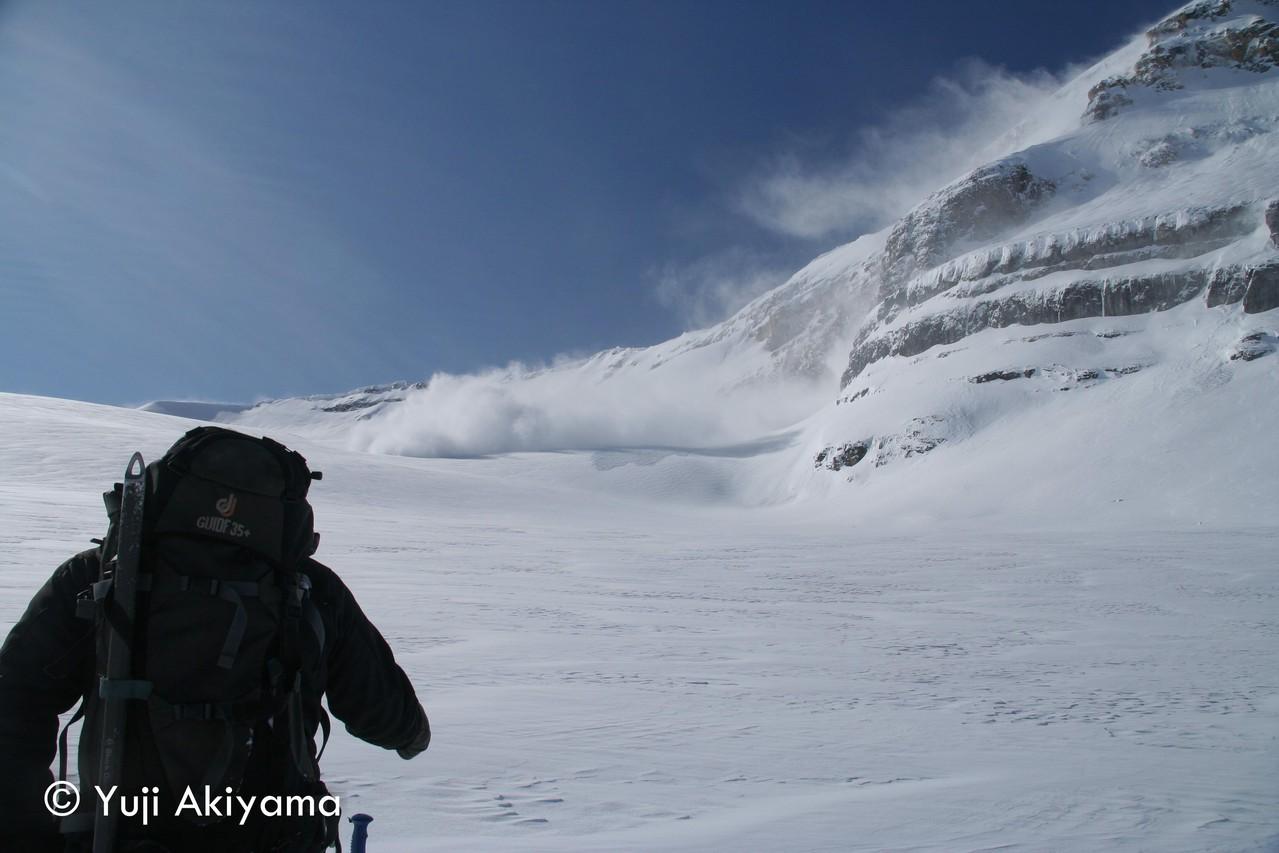 アイスフィールド・パークウェイ Mt.Hectorでの雪崩