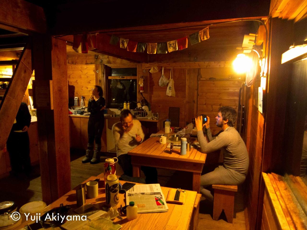 アサルカン小屋の夜