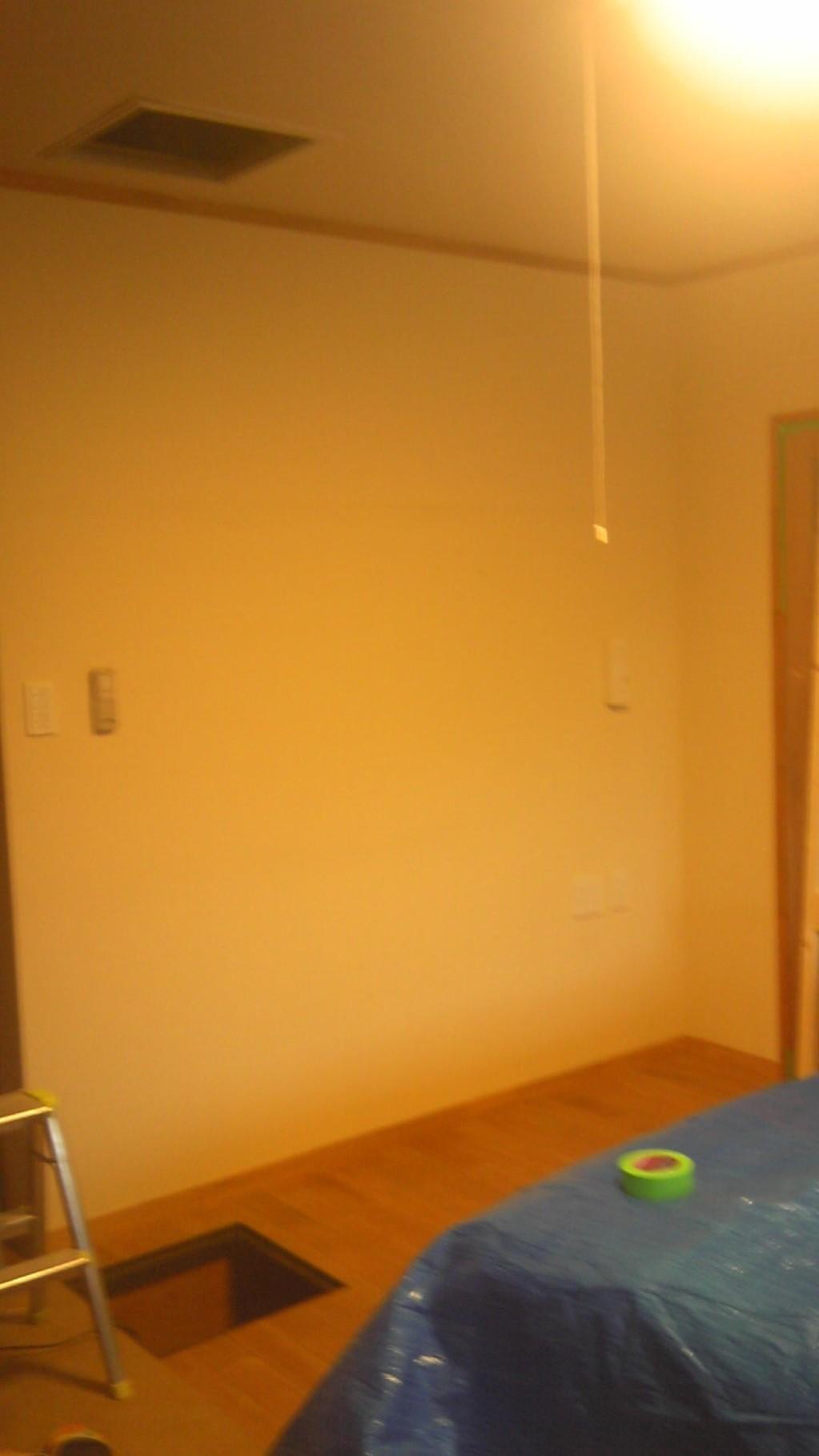 ビフォー/寝室のスペースに…