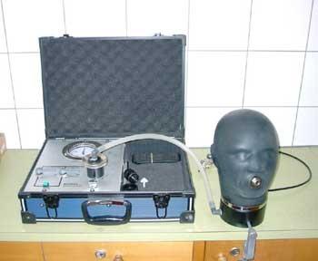 Der Prüfkoffer zur Maskenkontrolle
