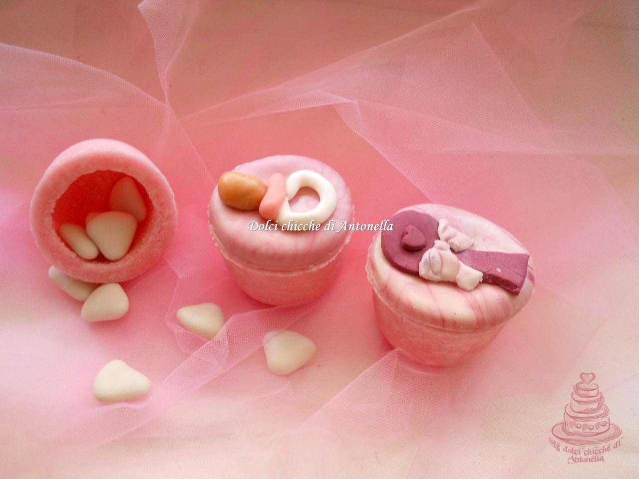 Vasetti per confetti. Interamente realizzati in zucchero con decorazioni in pasta di zucchero