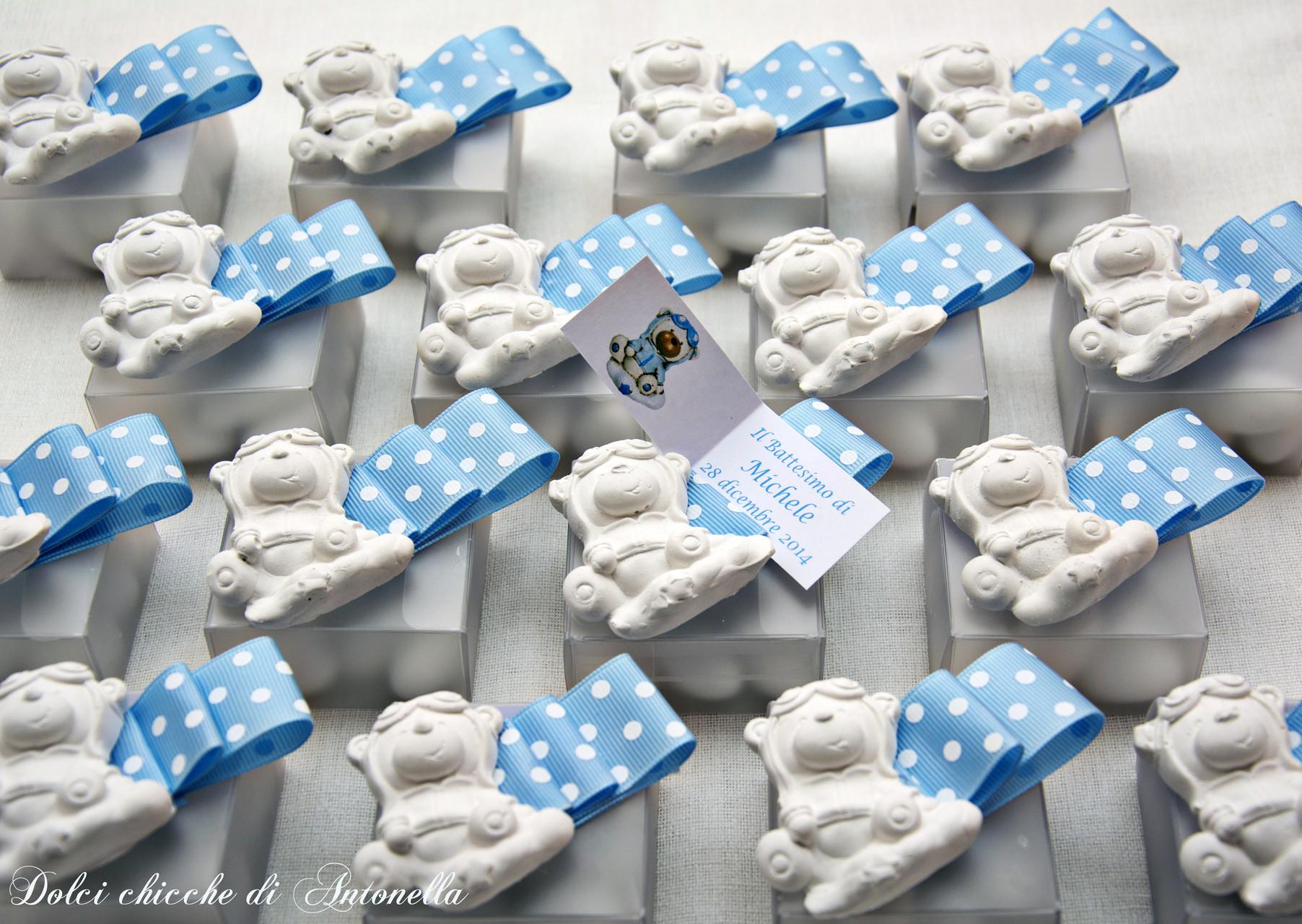 Confettate in abbinamento alla torta per il Battesimo di Michele. Profumatori per cassetti.