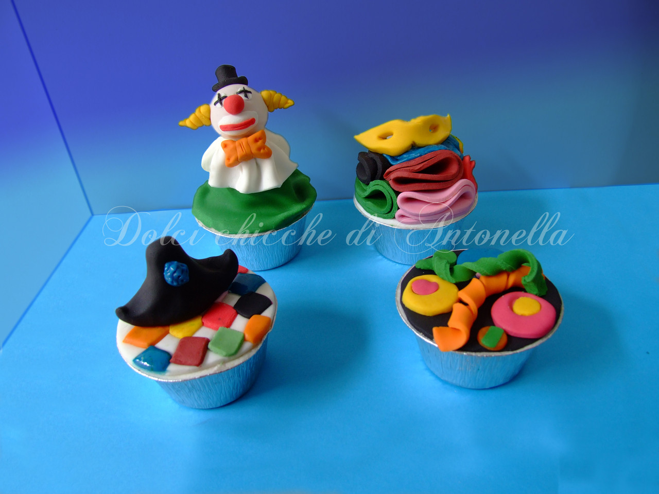Cupcakes dolcichicchediantonella - Decorazioni per torte di carnevale ...