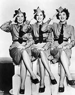 """""""Jamais June n'avait dansé sur le ♪ Boogie Woogie Bugle Boy ♫ des Andrews Sisters !"""" (p.64)"""