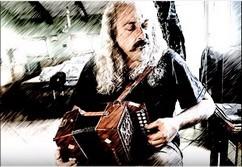 Ecouter ♪ Estrellas ♫ que Titouan joue à l'accordéon
