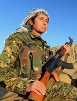 """""""Xate Shingali venait de créer un bataillon de 123 femmes pour se battre contre les soldats de Daech sur la frontière kurde"""" (p.114)"""