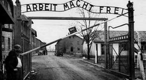 L'entrée du camp d'extermination d'Auschwitz en Pologne