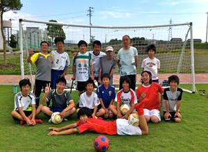 Fu~Wa FCの子たちと一緒に練習した際の写真