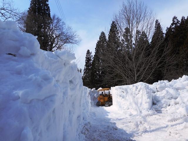 行きは作業していなかったが 11・03 除雪作業中