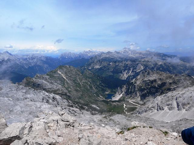 最高峰「トリグラフ」とクルン湖