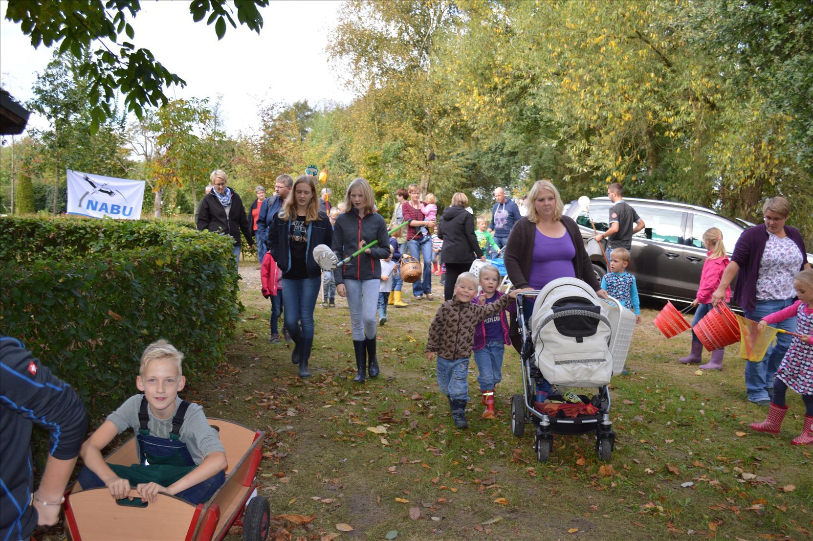 Eltern-Kind-Veranstaltung  /  Rund um den Apfel